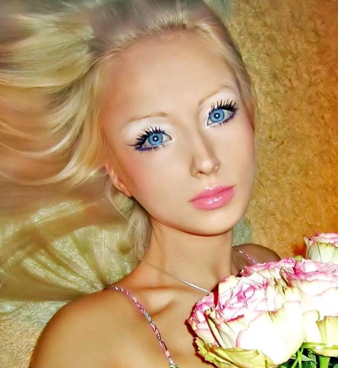 Απάτη η ζωντανή &;barbie&;;