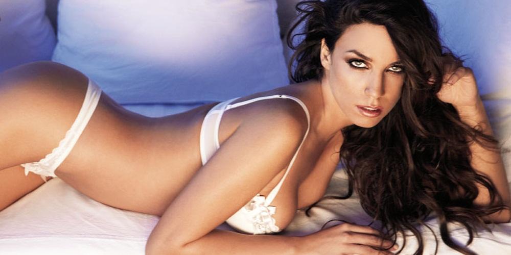 http://www.ilovestyle.com/sites/default/files/katerina_stikoudi_sexy_tragoydistria_0.jpeg