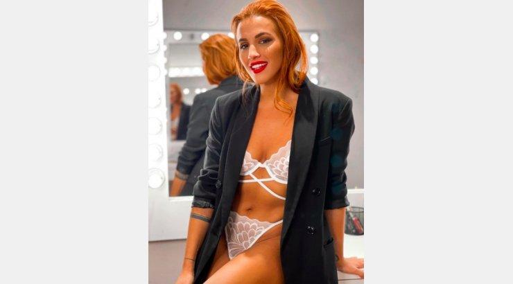 Φωτιά η Κάλια Ελευθερίου: Πέταξε τα ρούχα της και πόζαρε με see through  λευκά εσώρουχα [εικόνες] | Ι LOVE STYLE
