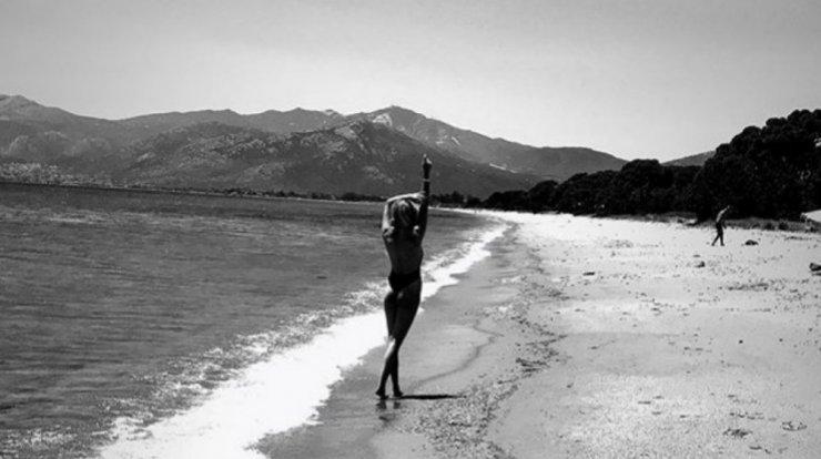 Επώνυμη Κύπρια ανέβασε φωτογραφία στα social media λίγο καιρό μετά την  πλαστική στο στήθος 61829b78682