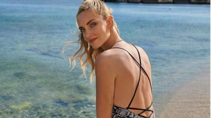 ef52cb2f30a Chiara Ferragni: Φόρεσε ήδη τα πιο fashionable μαγιό αυτού του ...